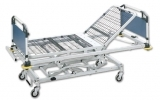 Confinement to bed for 2 sections with adjustable height hydraul